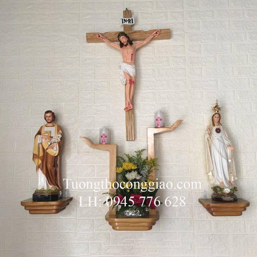 Bàn thờ Công Giáo đẹp bằng gỗ hình bàn tay cách điệu 1