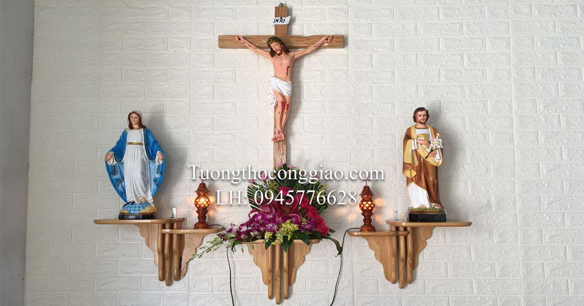 Tại sao trên bàn thờ Chúa tượng Đức Mẹ đặt bên Trái Thánh Giuse bên phải