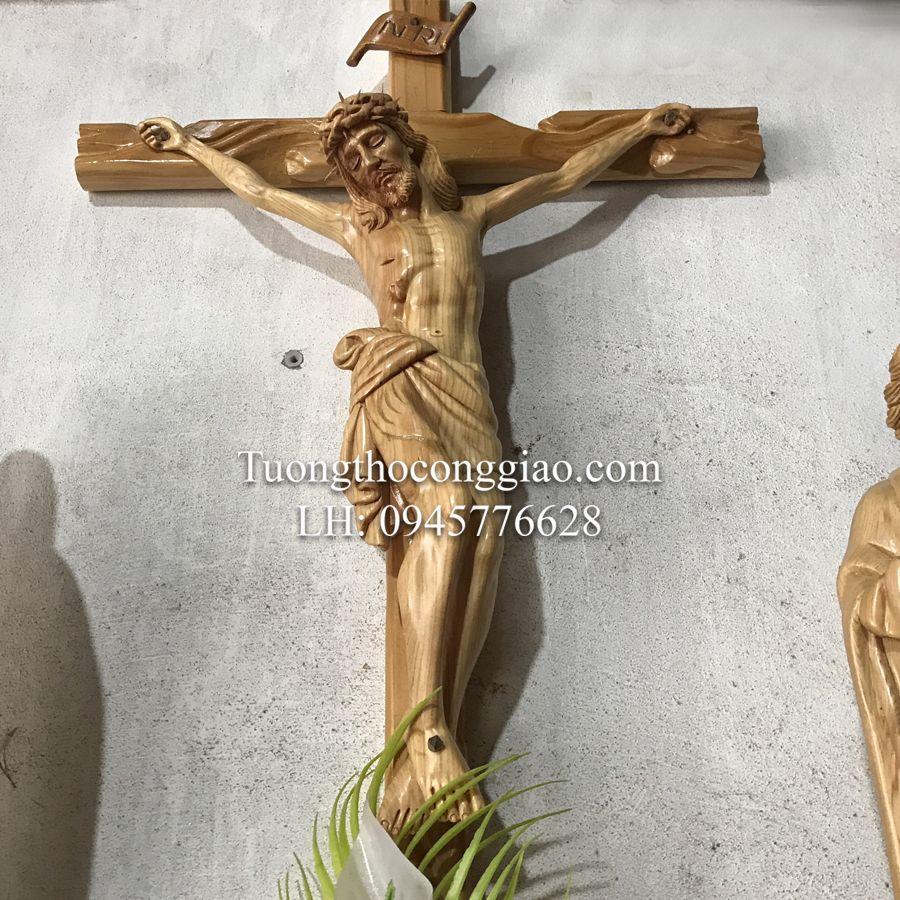 bàn thờ thiên chúa bằng gỗ 2