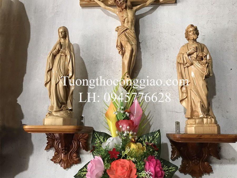 bàn thờ thiên chúa bằng gỗ 4